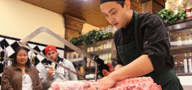 2011-topbutcher_kyle_separating_loin_from_ribs